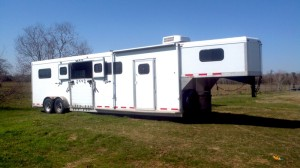 SOLD! Jamco Head to Head 4-6 Horse Trailer